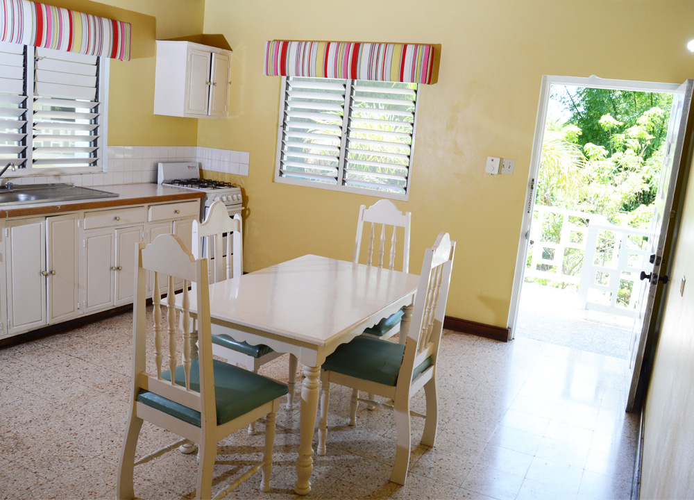 ... King Apartment With Kitchenette ...